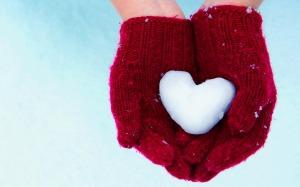 Christmas HD wallpapers snow heart 2013